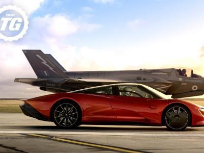Une McLaren Speedtail fait la course avec un Jet Fighter F35 pour l'émission Top Gear