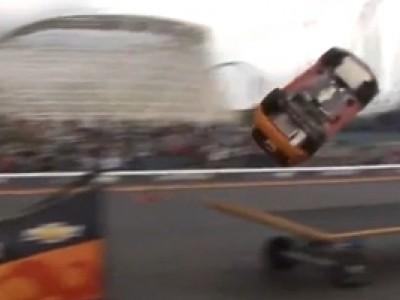 Rob Dyrdek utilise sa Chevrolet Sonic comme un skate