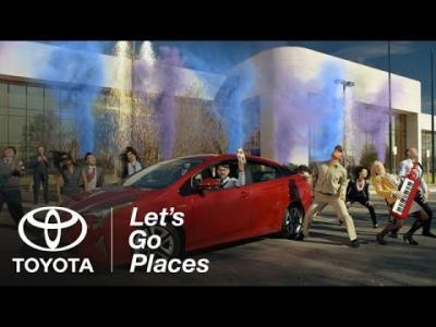 Super Bowl : la Toyota Prius est un démon roulant