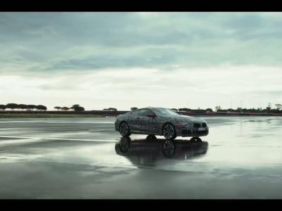 La BMW Série 8 s'entraîne en Italie