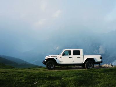 Jeep Gladiator : la nouvelle version du pick-up en vidéo