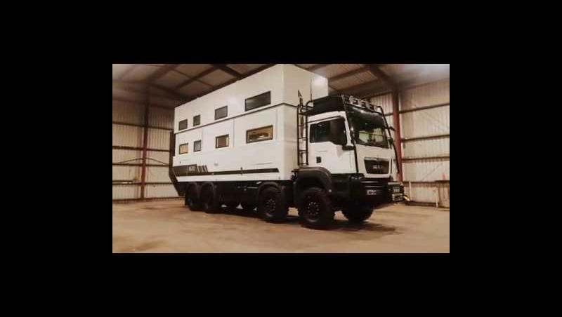 SLRV Commander 8x8 : une maison de luxe sur 8 roues à 2 millions de dollars