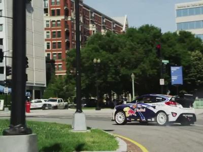 Rhys Millen en drift dans les rues de Washington