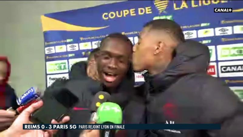 PSG : Presnel Kimpembe met l'ambiance en zone mixte après la victoire face à Reims !