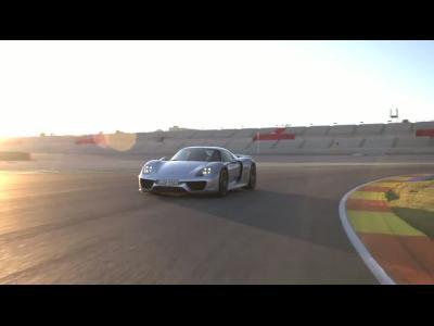 Vidéo : la Porsche 918 Spyder se débride sur circuit