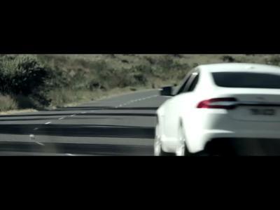 Jaguar XFR le rouge lui va si bien