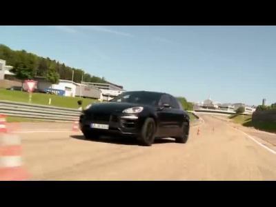 Le Porsche Macan roi du drift ?