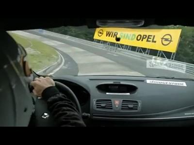 Renault Megane R.S. Trophy, record battu au Nordschleife