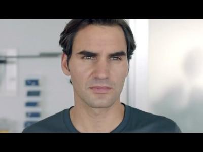 Federer joue à la raquette à mouche