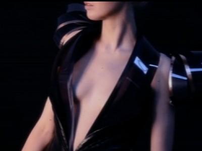 Une robe qui devient automatiquement transparente