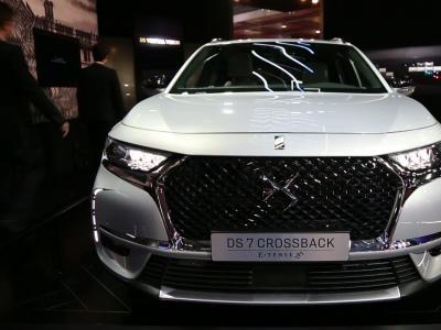 Mondial de l'Auto 2018 : la DS7 Crossback E-Tense 4x4 en vidéo