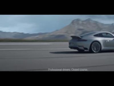Porsche 911 restylée: la pub avec Maria Sharapova et Mohammed Ali