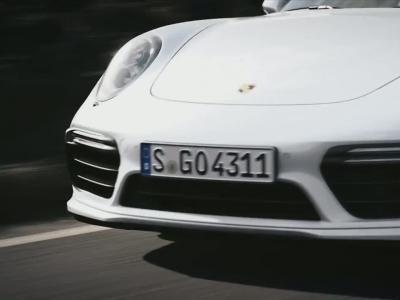 Porsche 911 Turbo et Turbo S restylées : plus de puissance