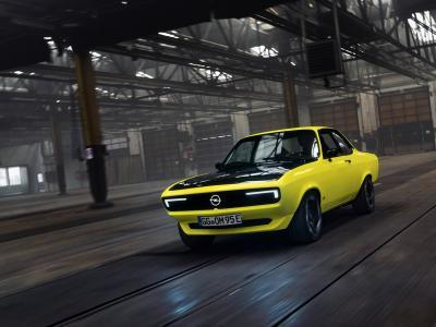 Opel Manta GSe ElektroMod : le coupé star des années 70 du blitz s'électrifie