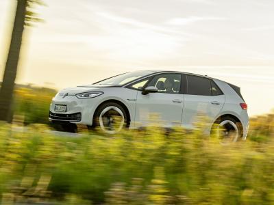 Taxe sur les voitures électriques : bientôt en France ?