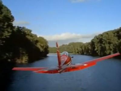 La France dans le sillage d'un Pilatus PC-7