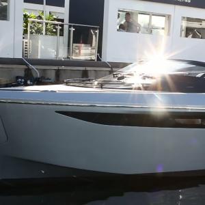 #3 Bateaux à moteur / Motorboats