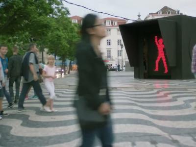 Vidéos : Smart fait swinguer les feux rouges