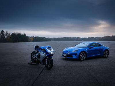 Moto Alpine, Audi A3, BMW iX... les nouveautés de la semaine 50