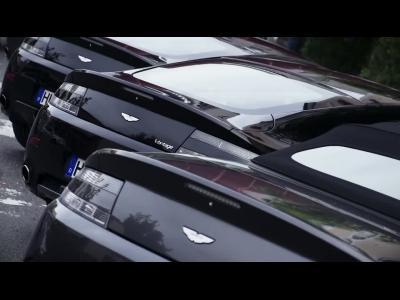 Quand les propiétaires d'Aston Martin s'amusent