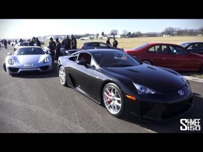 Course d'accélération entre une Lexus LFA et une Porsche 918 Spyder