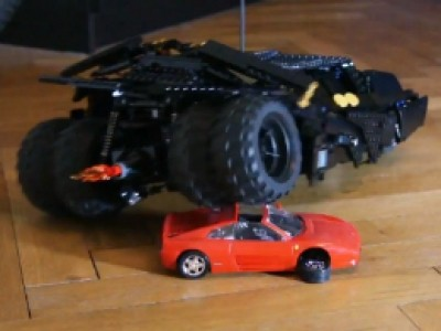 Le Batmobile Tumbler en LEGO