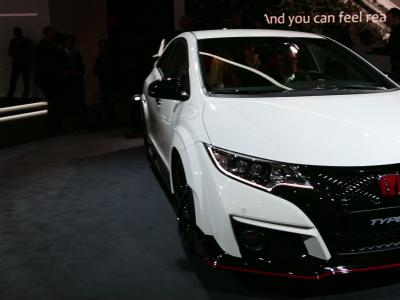 Honda Civic Type R : plus forte que la Mégane R.S.