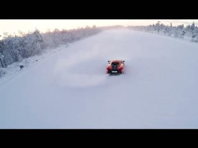 Faire du rallye sur la neige en McLaren 570S ? C'est possible !