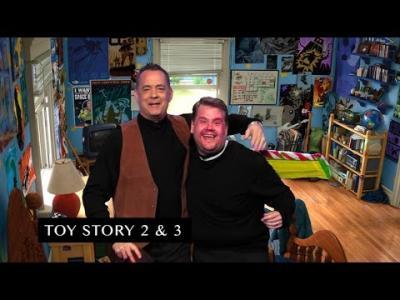 Vidéos : Tom Hanks rejoue sa filmographie.