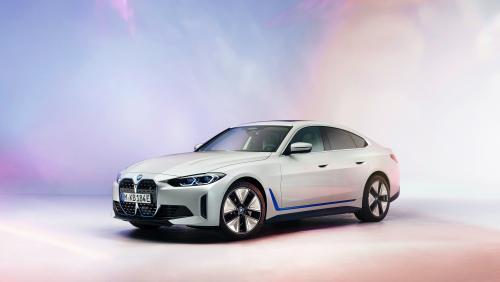 BMW i4 (2021) : teaser de la version définitive