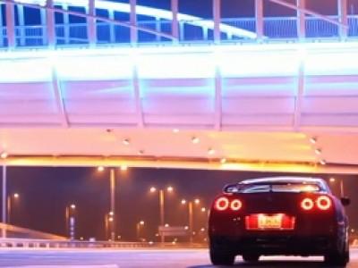 La Nissan GT-R 2012 sous les lumières de Dubaï
