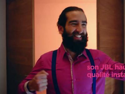 Moto Z2 Play : vidéo officielle de présentation du Mods JBL Sounboost2