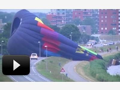 Un ballon tente un amerrissage d'urgence avant de s'échouer sur une route