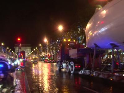 Arrivée des bateaux à Paris pour le Nautic 2015