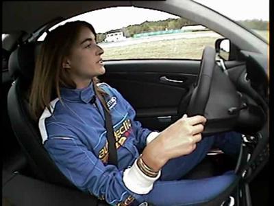 Margot Laffite teste la SL63 AMG