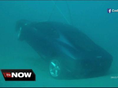 Une Ferrari 360 Modena plonge dans l'Océan