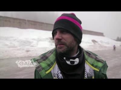 Enak Gavaggio chasse la neige dans Bon Appétit