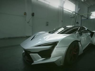 Fenyr Supersport: la supercar du désert s'attaque à la Veyron