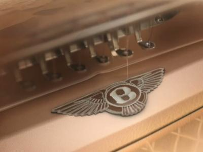 Apparition furtive du crossover de Bentley
