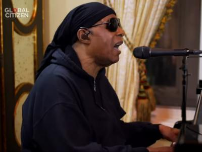 Stevie Wonder - Lean On Me & Love's In Need of Love Today