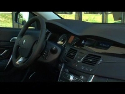 L'habitacle de la Renault Latitude