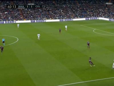 Un joueur du Celta fonce sur Zidane qui chute !