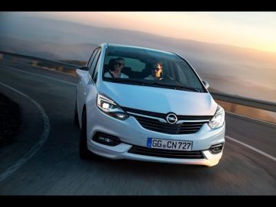 Opel Zafira restylé : assagi mais  connecté