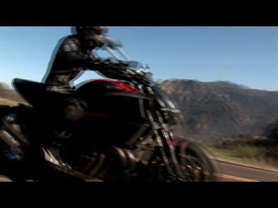Clip CLS 63 AMG et Ducati
