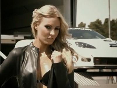 Plus sexy que Pirelli, le calendrier Berner 2012