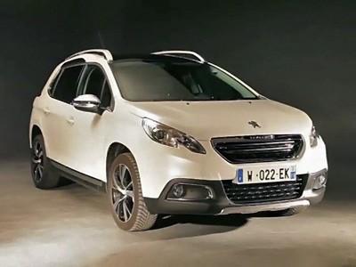 Le Peugeot 2008 dans l'intimité d'un studio photo