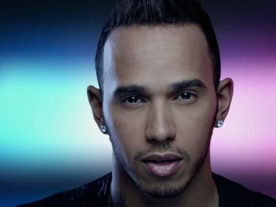 Hamilton joue au DJ pour célébrer la saison 2015 de Mercedes