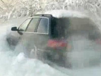 Du chasse-neige en Audi Quattro
