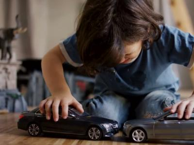 Ces voitures miniatures rendent fous les enfants !