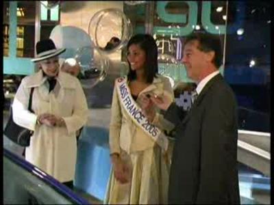 Miss France reçoit les clés de son cabriolet !